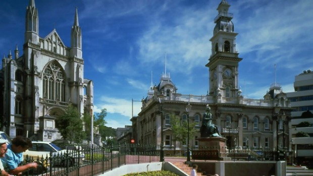 St Pauls and the local town hall in Dunedin.