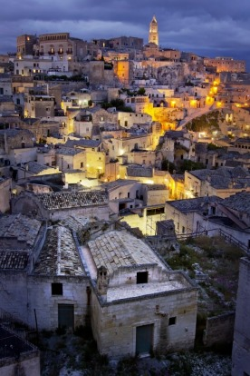 While travelling in southern Italy last year we stayed a couple of nights in Matera. These somewhat ordinary building ...