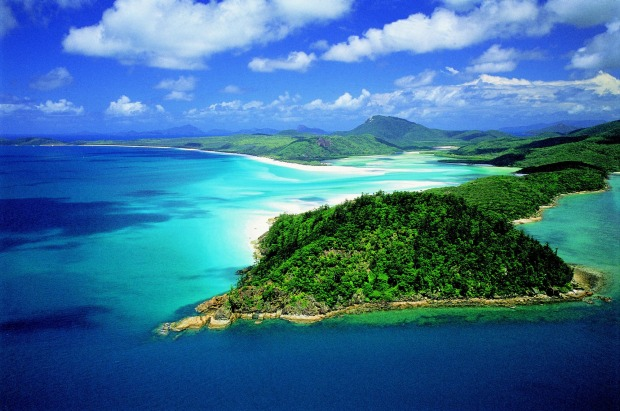 2. Aerial of Hill Inlet & Whitehaven Beach.