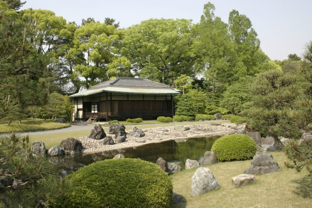 Teahouse in the gardens of Nijo Castle.