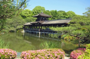 tra5-sixbestkyoto Six of the Best Kyoto Gardens Heian Shrine Photo: Brian Johnston