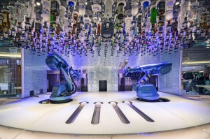Ovation Bionic Bar Ovation of the Seas (Royal Caribbean) it will become the biggest cruise ship to ever hit Oz waters - ...