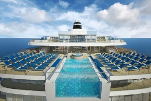 The infinity pool at the stern of Viking Star.