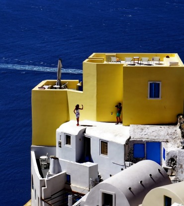 While wandering around Santorini last month & taking the usual tourist shots, I noticed this photographer snapping his ...