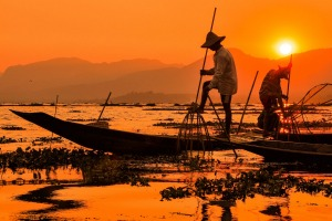 'One-legged' fishermen on Inle Lake.