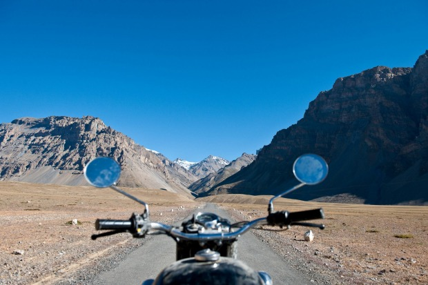 Himalayan ride with Nomadic Knights: The road to Mt Everest.