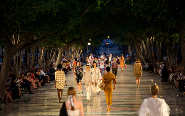 "Fashion show in Havana: Creations from the Karl Lagerfeld ""cruise"" line for fashion house Chanel, at the Paseo del Prado ..."