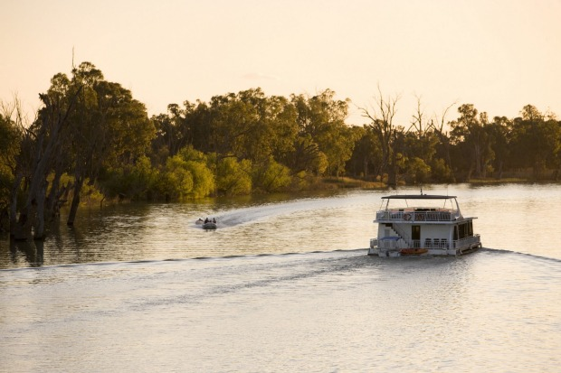 MURRAY RIVER WALK, SOUTH AUSTRALIA. The latest addition to Australia's collection of luxury guided walks combines ...