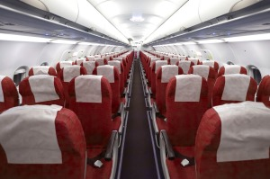 Empty seats: Do airlines cancel a flight at the very last minute if too few passengers show up?