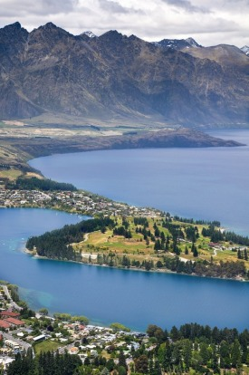 New Zealand never fails to impress, with awesome mountains and landscapes everywhere- regardless of being near a city. ...