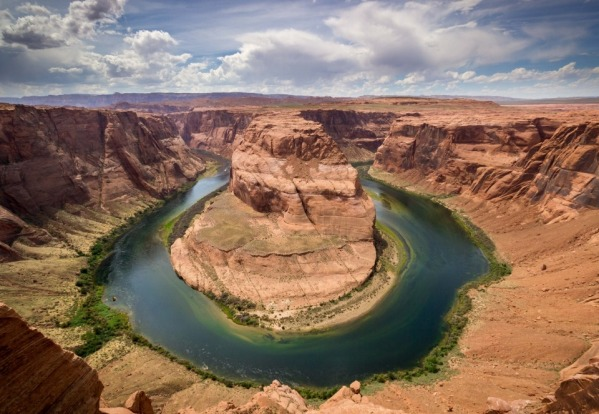 An iconic location known for its sheer size and magnitude, Horseshoe bend is undoubtedly amazing to visit in the ...