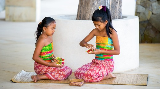 Balinese girls at Amankila
