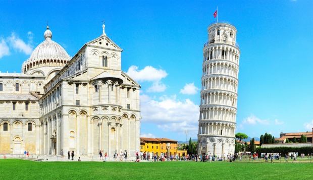 The leaning tower of Pisa , Italy.