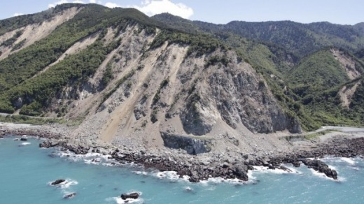 Rescuing travellers stranded in Kaikoura after last month's earthquake was all in a day's work for bus company Stray Travel.