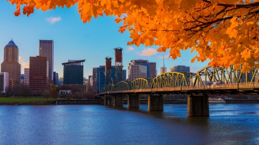 A view of Portland, Oregon overlooking the Willamette River.