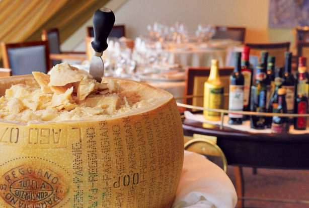 'Toscana' - fine dining Italian, with huge variety of cheeses, olive oils and balsamic vinegars.