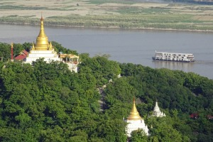 Sagaing on the outskirts of Mandalay in Myanmar. But what's the name of the river?