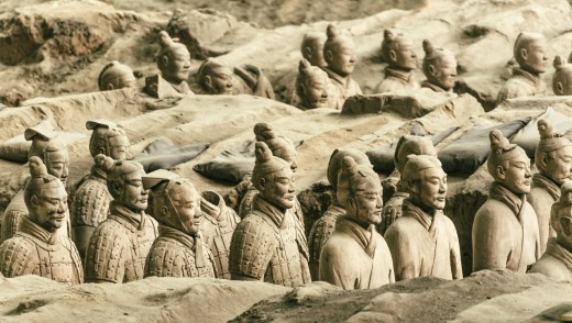 Clay statues of Chinese Qin dynasty soldiers.