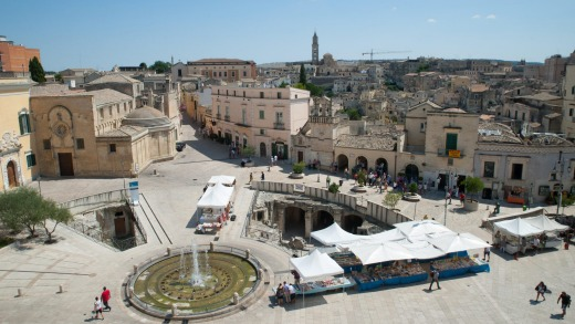Matera italy travel guide the third oldest continually for Piazza vittorio veneto matera