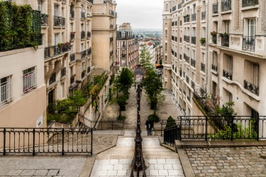 Looking down the steps from Montmarte in Paris, the walkway and the stairs further on seem to just disappear in the distance.