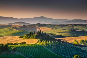 Scenic Tuscany, a perfect location to rent an Italian villa.