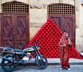 Crimson pyramids and colourful spirits in Khan el-Khalili bazaar - Cairo, Egypt (March 2016).