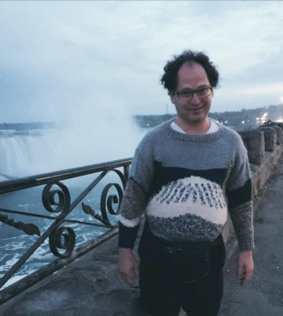 Sam Barsky does Niagra Falls.