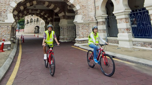 Explore Kuala Lumpur on a eco-friendly bike ride.