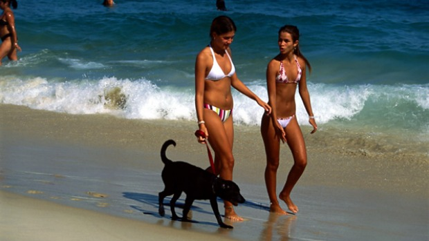 Itsy bitsy ... don't even think about hitting Ipanema Beach without first visiting Lenny.