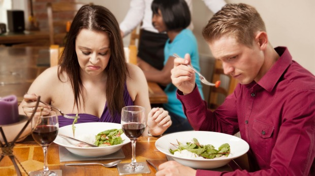 Read the warning signs and you can avoid a bad restaurant meal.