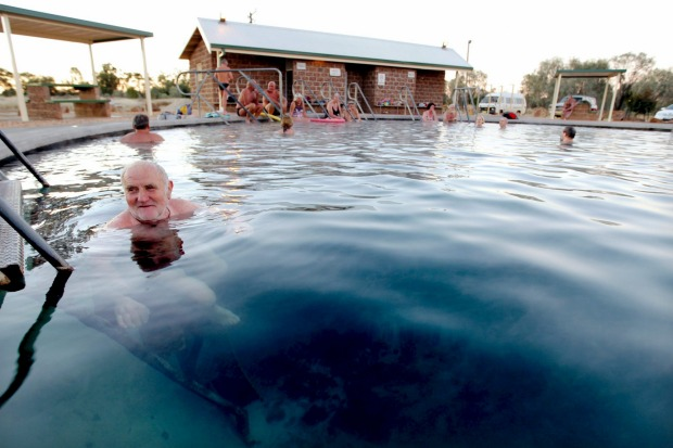 Lightning Ridge bore baths in the late afternoon.