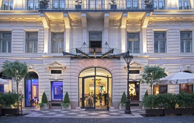 Top Ten Travellers Choice Hotels in the World. 1. Aria Hotel, Budapest.
