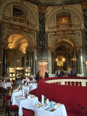 Grandeur surrounds diners at the Kunsthistorisches Museum.