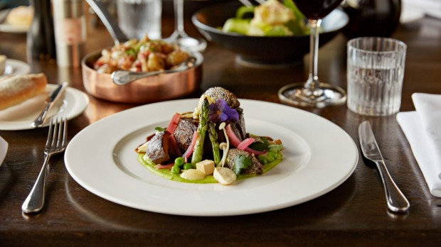 Hippopotamus restaurant is known for its sophisticated cuisine.
