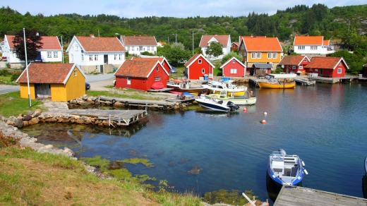 A pretty fishing harbour on Skjernoya island.