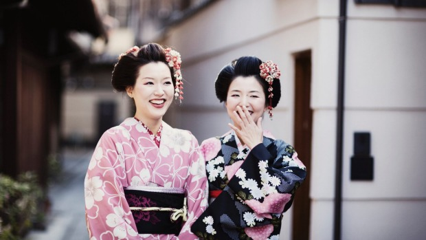 Cultural lesson: Learn how to wear a kimono like local Japanese girls.