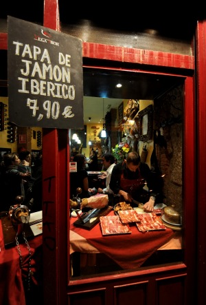 The Spaniards are champion jamon eaters.