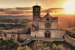 Few landscapes are more spiritually uplifting than the Tuscan and Umbrian countryside, which perfectly blend of nature ...