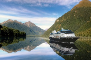 The bright Kiwi sun will accompany us for the 15-day cruise.
