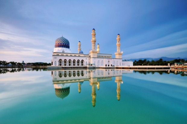 Kota Kinabalu City Floating Mosque, a popular attraction in Sabah Borneo, Malaysia.