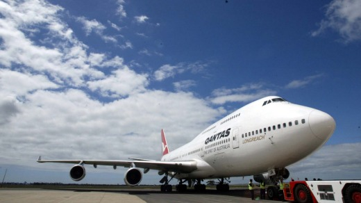 Qantas is replacing its 747s with 787-9 Dreamliners.