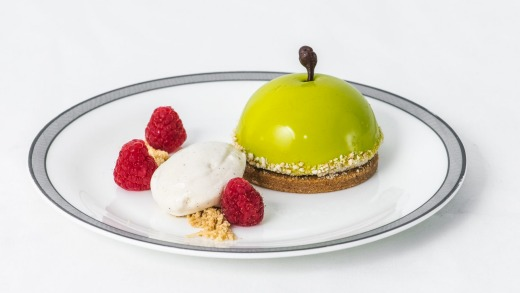An Australian Granny Smith apple dome with cinnamon ice cream has been created for Singapore Airline's special ...