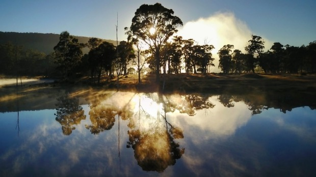 Sunrise over Currawong Lakes.