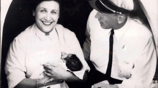A woman, named Mrs. Sabbagh, traveling on the plane ''Comet'' gave birth to a baby-girl somewhere between Dakar and ...