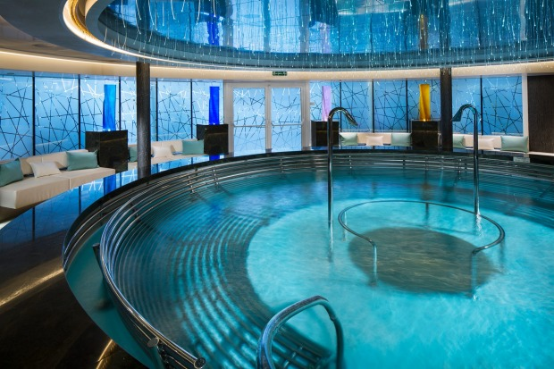 Holland America Koningsdam Greenhouse Spa Hydropool.
