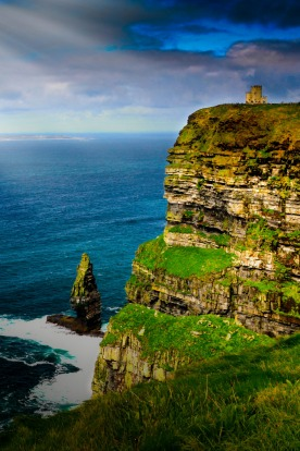 I took this photo on 18 September 2016 at the Cliffs of Moher, in County Clare, Ireland. The cliffs rise to a maximum of ...