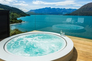 Owner's Cottage jacuzzi, Matakauri Lodge, Queenstown.