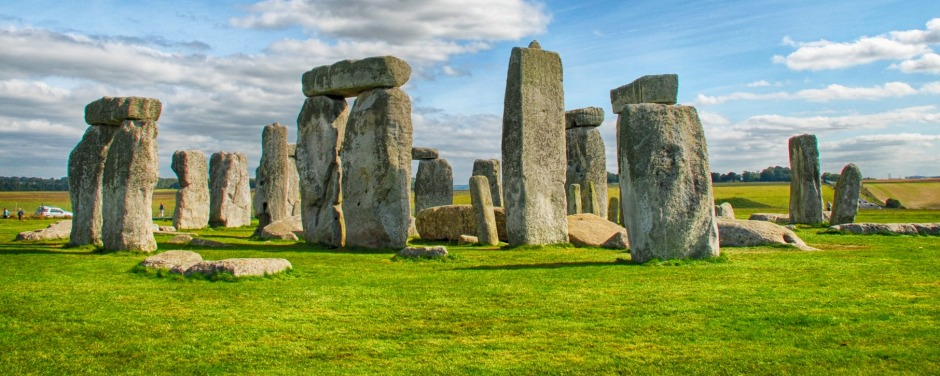 Stonehenge with beautiful sky in United Kingdom SunMay21CoverTouristTrap - How to avoid a tourist trap - Brain Johnston ...