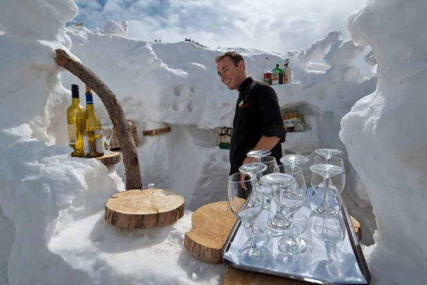 Outside bar, Cloud Nine on-mountain restaurant, Aspen Highlands Ski Area, Aspen, Colorado.