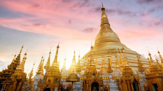 Shwedagon Pagoda at sunset, Yangon.